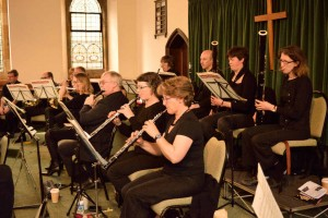 Hilary and Ian (flutes), Averre and Elspeth (oboes), Rosie and Andrew (clars), and Sharon and Jane (bassns)
